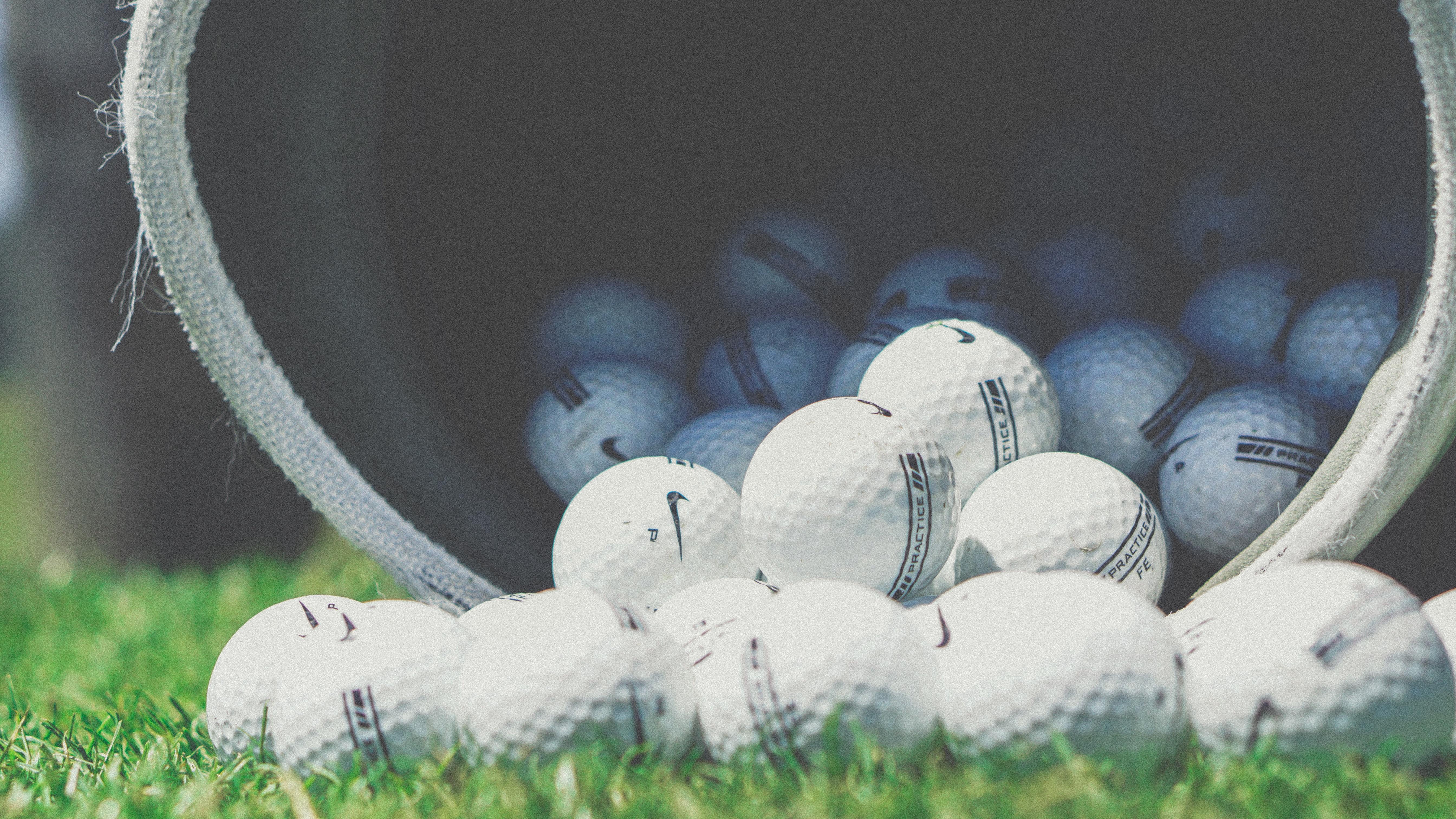 ダウンスイングでクラブが寝る原因は?ゴルフのスライスの治し方!
