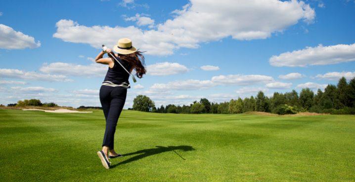 ゴルフの体の正面で打つとは?インパクトの瞬間の体の正面ってどこのこと?