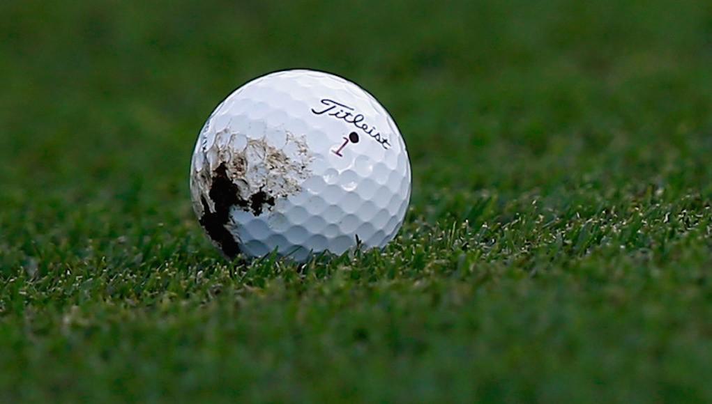 ゴルフの新ルールでボールの泥を綺麗に拭ける?埋まったボールは?