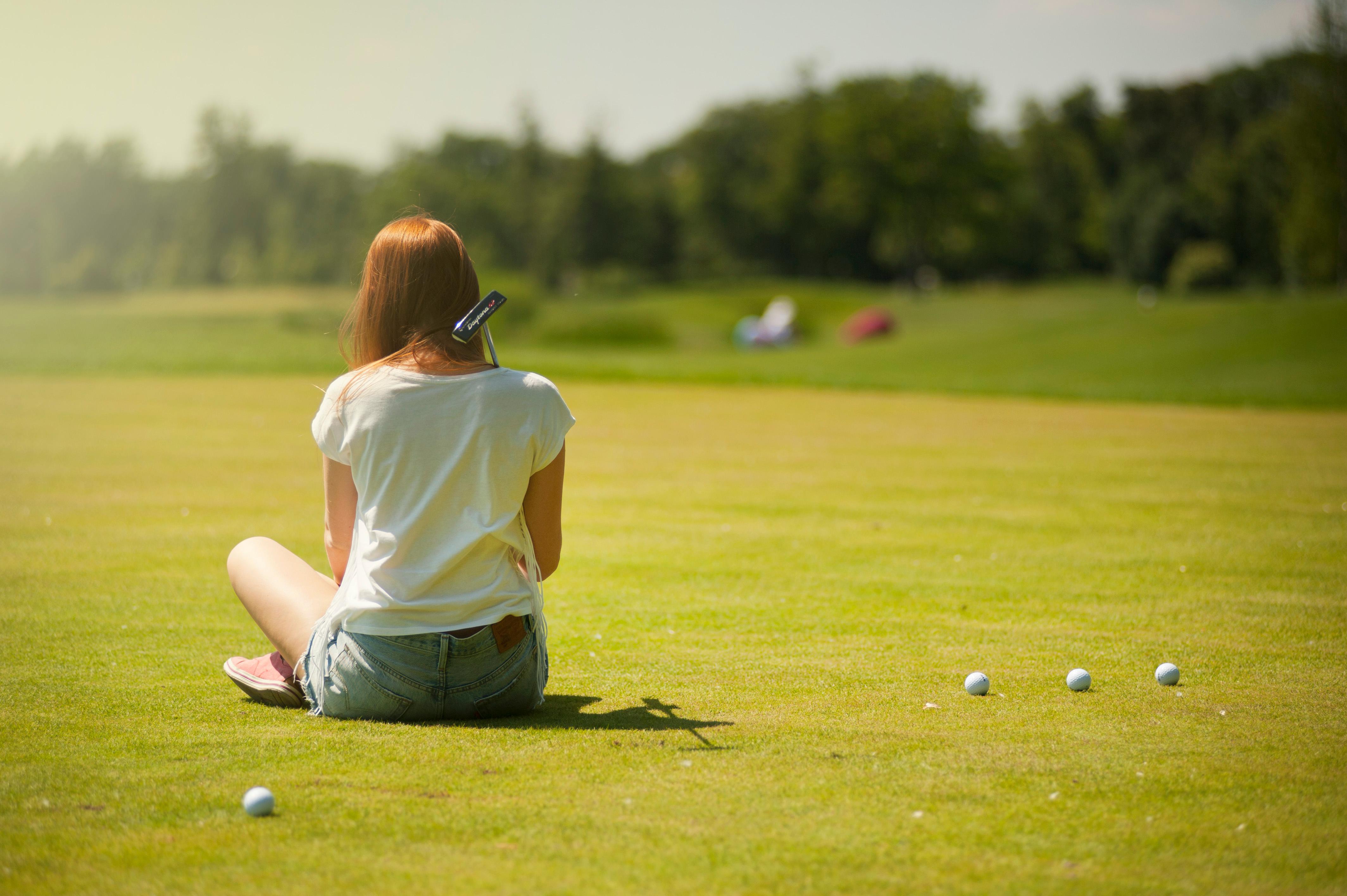 ゴルフの新ルール グリーンでライン上のスパイク跡は修復できる?