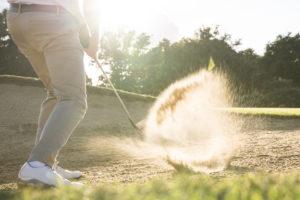 ゴルフの新ルール バンカー外へのアンプレアブルは1打罰は間違い?