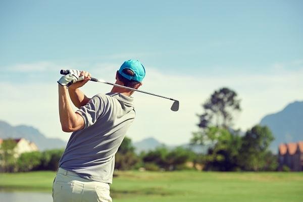 ゴルフのアゲンストの打ち方は?飛距離は何ヤード落ちる?練習方法は?