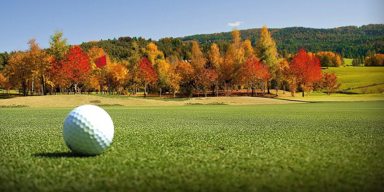 ゴルフ場の行き帰りの服装で女性が気をつけるべきマナー秋冬編