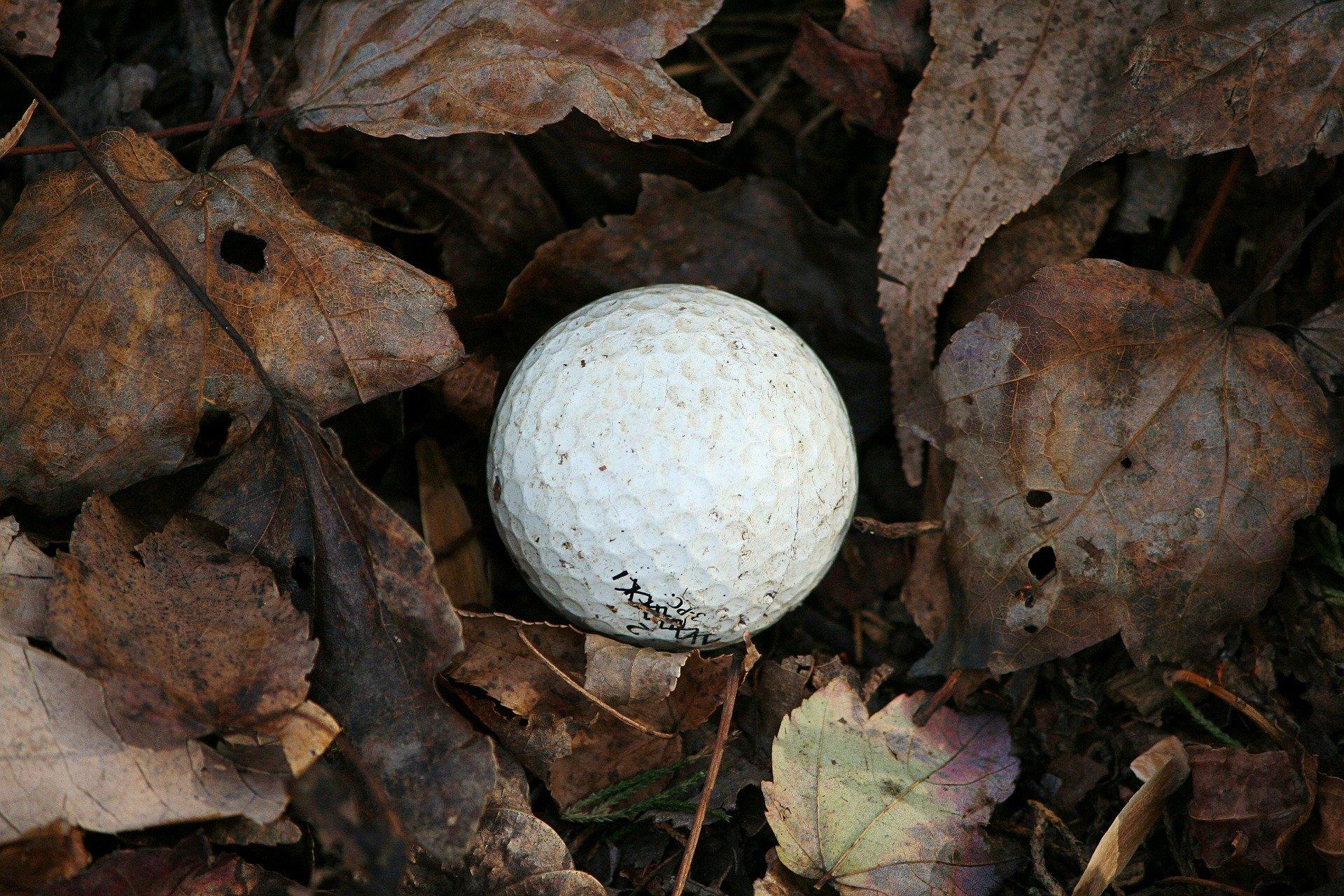ゴルフのルールのロストボールとは?今さら聞けない処置方法やペナルティ